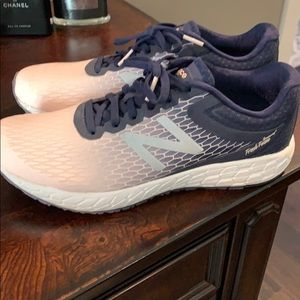 Women's New Balance Boracray V3 Fresh Foam Sz 9.5